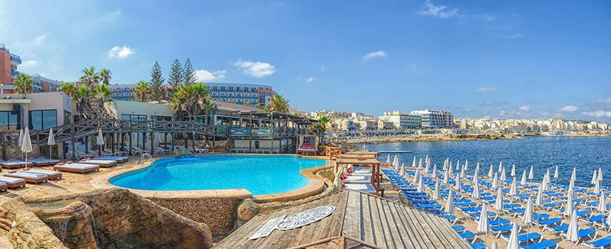 hoteller med egen pool